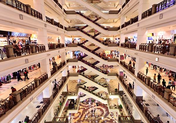 Centrum handlowe i marki modowe